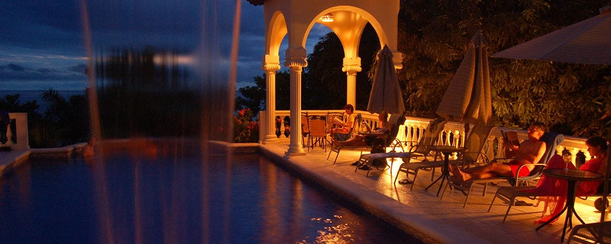 adults-only-pool-parador-hotel-manuel-antonio-costa-rica