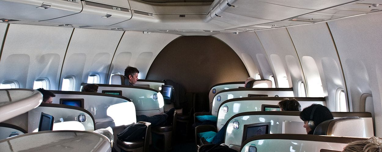 air-new-zealand-business-premier-747-cabin